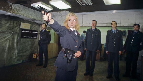 Занятия по стрельбе в тире в ЮИ МВД