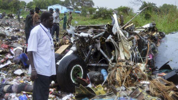 На месте крушения самолета Ан-12 в Южном Судане, 4 ноября 2015
