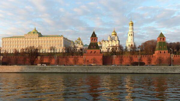Вид на Московский кремль с Софийской набережной