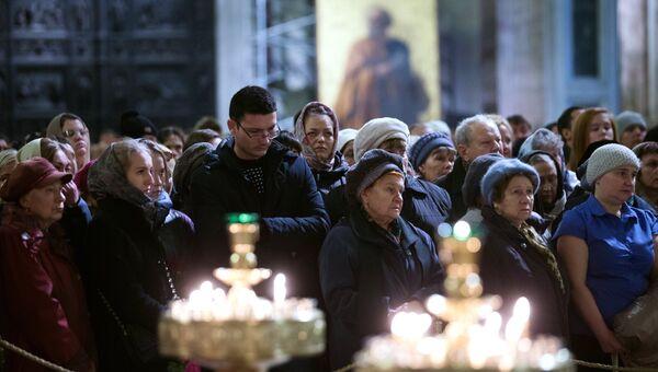 Поминальная служба по жертвам авиакатастрофы А321 в Санкт-Петербурге