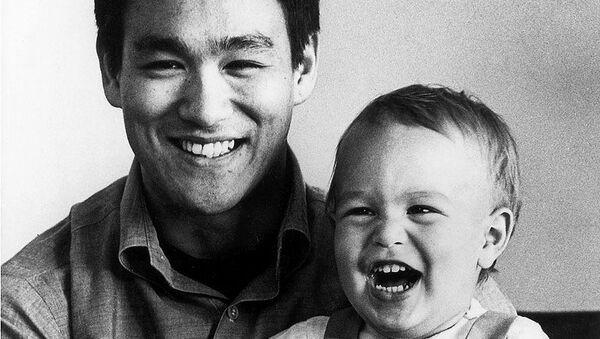 Брюс Ли и его сын Брэндон