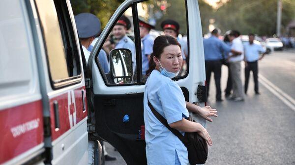 Сотрудница медицинской помощи в Киргизии