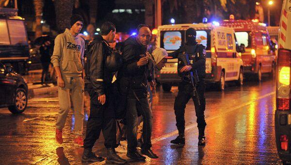 На месте взрыва автобуса в центре Туниса. Архивное фото