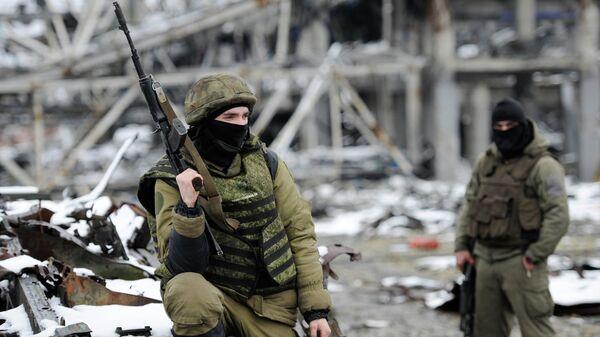 Ополченцы Донецкой народной республики. Архивное фото.