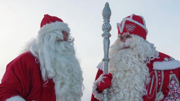 Встреча российского Деда Мороза и финского Йоулупукки, архивное фото