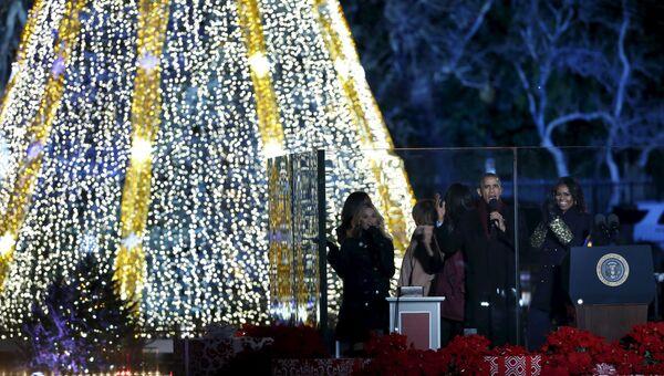 Президент США Барак Обама на церемонии зажжения огней на Рождественской елке