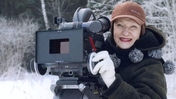 Актриса и режиссер Светлана Дружинина во время съемок
