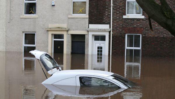 Затопленная улица в Карлайле, Великобритания