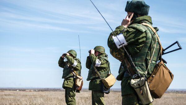 Военные учения на полигоне. Архивное фото