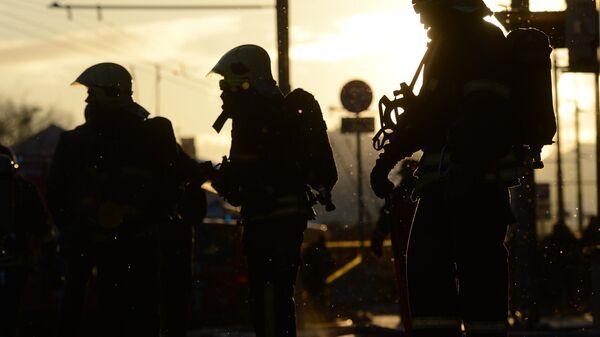 Пожарные и спасатели МЧС