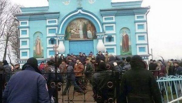 Успенская церковь под Ровно, Украина