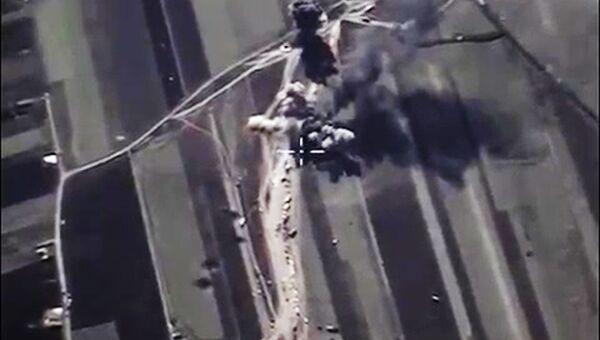 Уничтожение на территории Сирии ВКС России объектов по добыче и переработке нефти террористов ИГ (ДАИШ)