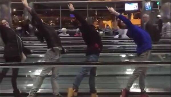 Балетный экспромт в аэропорту