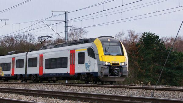 Пригородный поезд, Бельгия. архивное фото