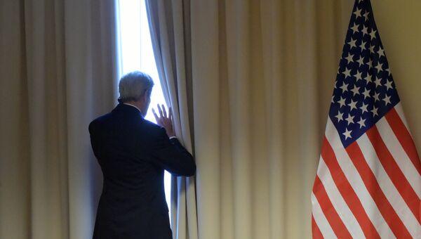 Государственный секретарь США Джон Керри перед встречей с министром иностранных дел РФ Сергеем Лавровым. Архивное фото