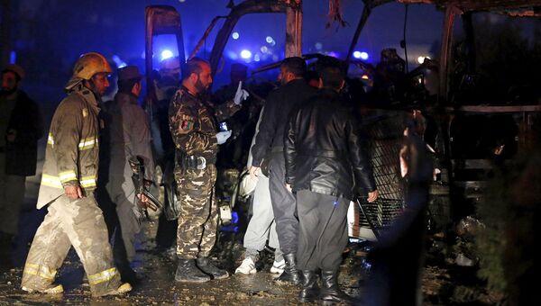 На месте взрыва возле посольства РФ в Кабуле. 20 января 2016