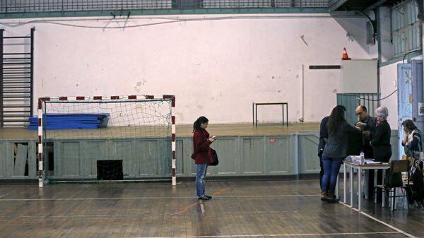 Голосование на избирательном участке в Лиссабоне