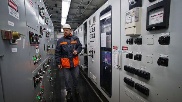 Пульт управления мобильной газотурбинной электростанции (МГТЭС) на площадке Западно-Крымская вблизи г. Саки в Крыму