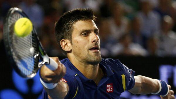 Новак Джокович в игре против Роджера Федерера на полуфинале Australian Open. Архивное фото