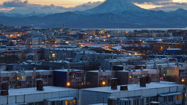Вид на вечерний Петропавловск-Камчатский, архивное фото