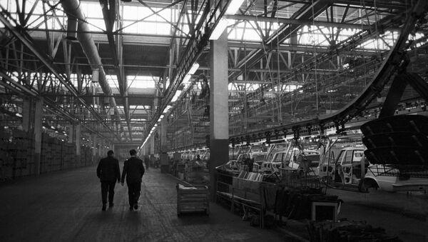 Волжский автомобильный завод (ВАЗ) в городе Тольятти. Архивное фото