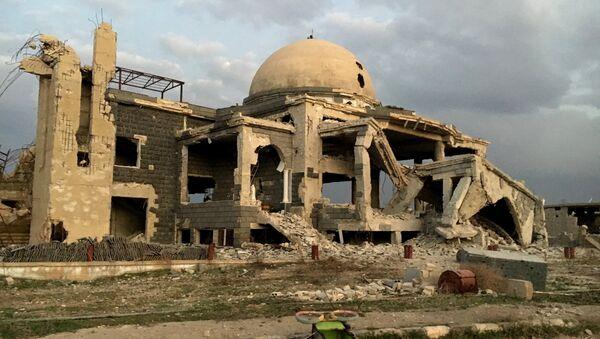Мечеть на одной из улиц освобождённого Сирийской арабской армией населённого пункта Осман в провинции Дераа. Архивное фото
