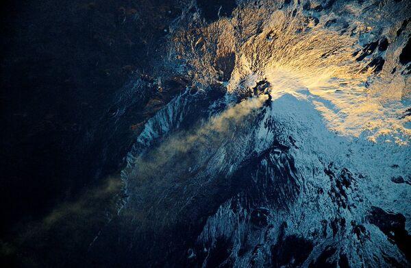 Дым от вулкана Этна