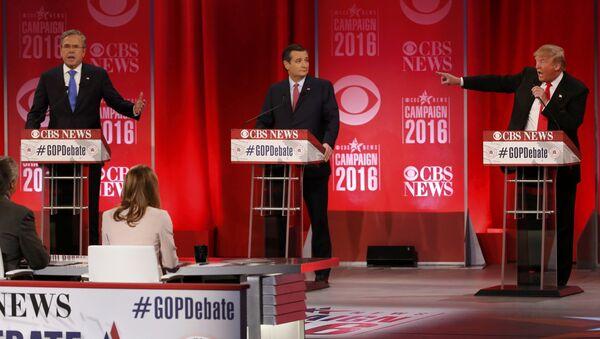 Республиканские кандидаты на пост президента США Джеб Буш, Тед Круз и Дональд Трамп выступают на дебатах