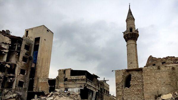 На одной из улиц в историческом центре в Алеппо. Архивное фото