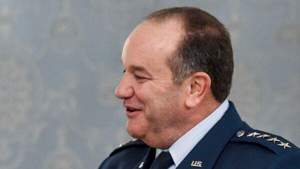 Командующий вооруженных сил США в Европе генерал Филип Бридлав
