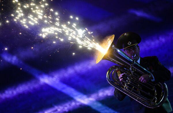 Оркестр Вооруженных сил Белоруссии на церемонии закрытия Международного военно-музыкального фестиваля Спасская башня в Москве