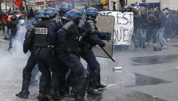 Беспорядки во время акции протеста в Париже против реформы трудового законодательства. 31 марта 2016