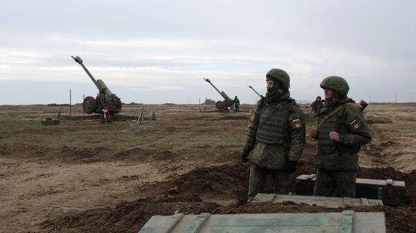 Военнослужащие во время внезапной проверки боеготовности войск