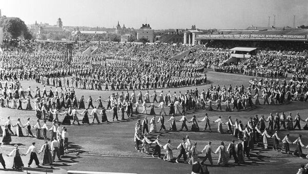 Праздник песни в честь 15-летия образования Литовской ССР, Архивное фото