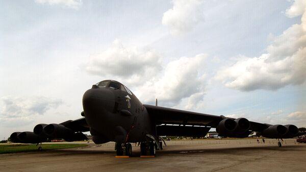 Бомбардировщик Б-52 (США). Архивное фото