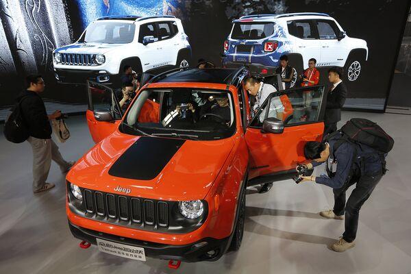 Автомобиль Jeep Renegade. Пекинский автосалон, апрель 2016