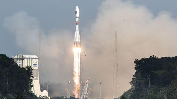 Старт ракеты-носителя Союз с космодрома Куру, Французская Гвиана. Архивное фото