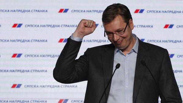 Премьер Сербии Александр Вучич празднует победу на парламентских выборах