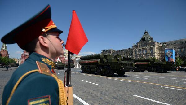 Зенитно-ракетные комплексы Триумф С-400 во время военного парада на Красной площади в честь 71-й годовщины Победы в Великой Отечественной войне 1941-1945 годов