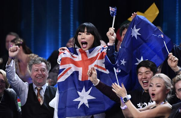 Дэми Им (Австралия) во время финала 61-го международного конкурса песни Евровидение-2016 в Стокгольме