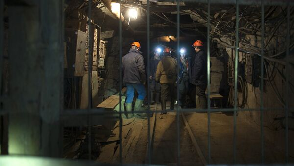 Рабочие на шахте Северная. Архивное фото
