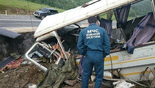 Автобус с российскими военными, разбившийся на трассе Цхинвал – Канчавети 19 мая