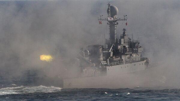 Военный корабль Южной Кореи во время учений