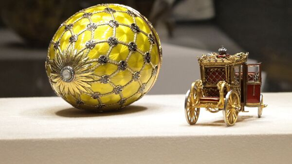 Экспонаты музея Фаберже в отреставрированном Шуваловском дворце Санкт-Петербурга. Архивное фото
