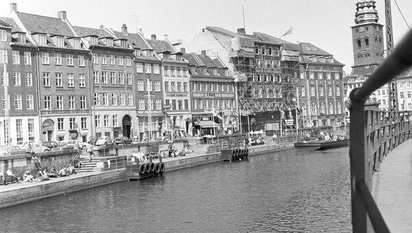Набережная города Амстердама
