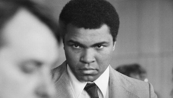 Легендарный американский боксёр Мохаммед Али в Москве. Архив