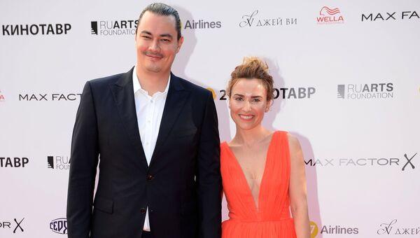 Режиссер Андрей Першин (Жора Крыжовников) с супругой актрисой Еленой Александровой. Архивное фото