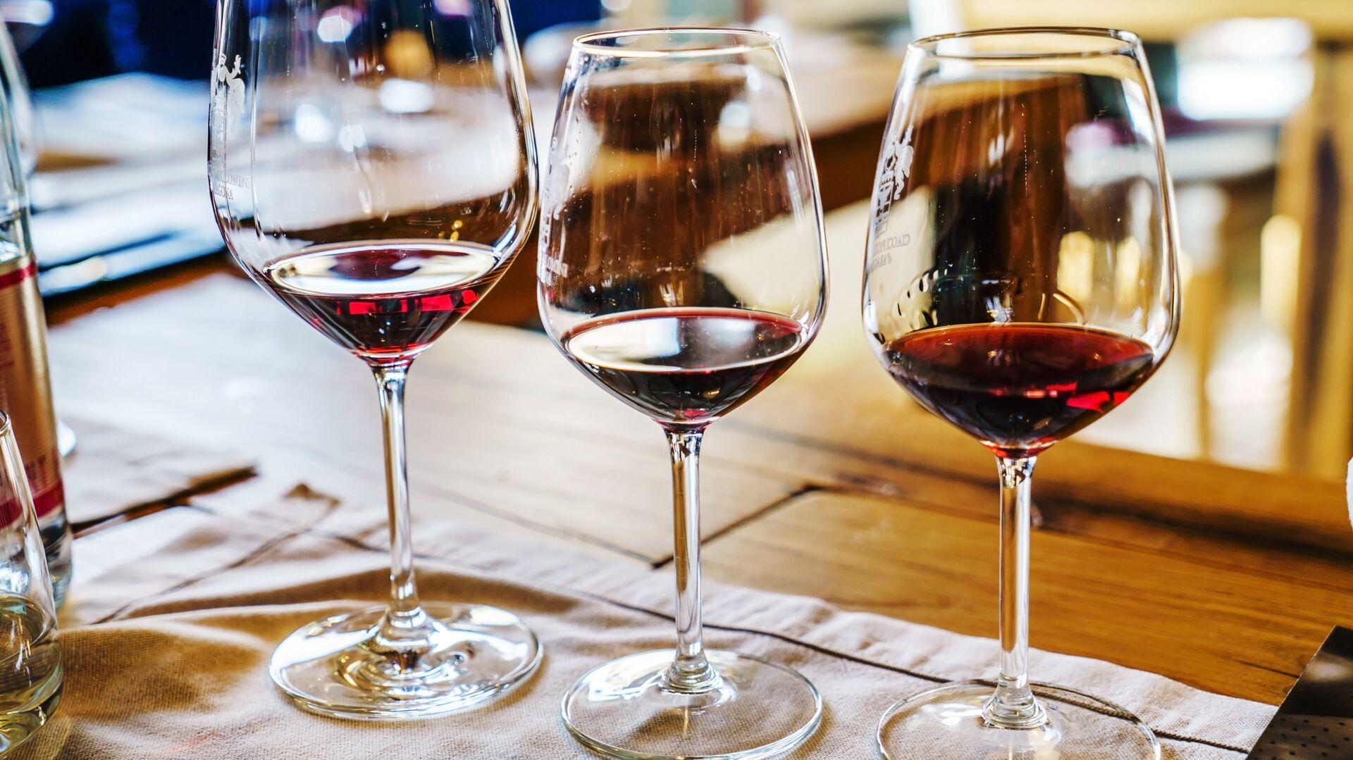 Эксперты оценили качество вернувшегося с МКС французского вина