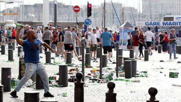 Беспорядки в Марселе перед матчами чемпионата Европы по футболу, Архивное фото