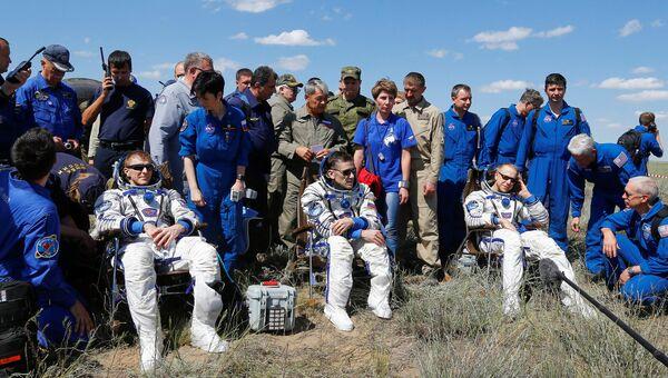 Приземление экипажа МКС в Казахстане, 18 июня 2016